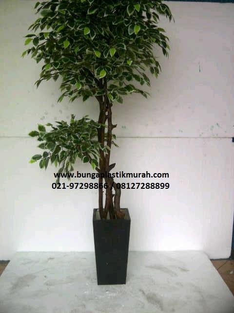 Pohon Plastik P-02