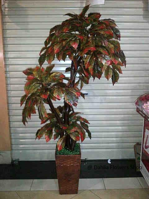 Pohon Plastik P-05